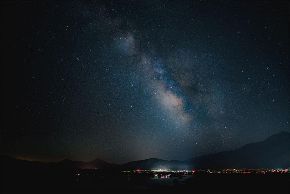 Photoshopでキラキラに輝く満点の星空を演出する方法1