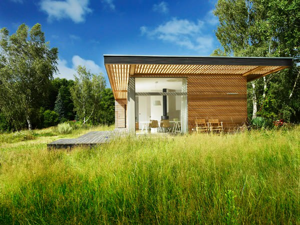Sommerhaus-Piu-Prefab-Vacation-Home-