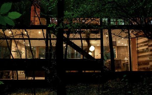 contemporary-home-Freshome04