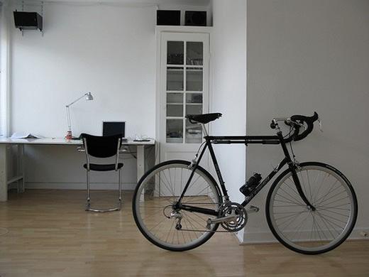 bikes-as-decor-Freshome06